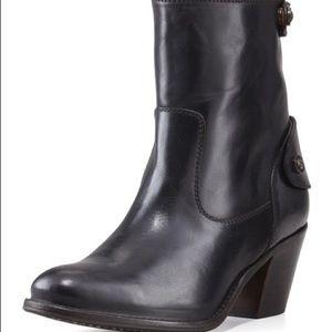 Frye Jackie ZIP Short Black Boot